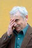 Älterer Mann verwirrt Stockfotografie
