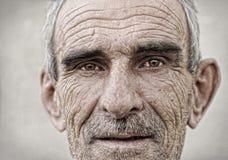 Älteres, altes, fälliges Mannportrait stockfotografie