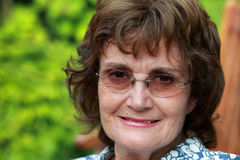 Älteres Frauenlächeln Lizenzfreies Stockfoto