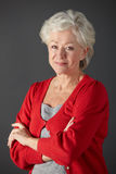 Älteres Frauenstudioportrait Stockfoto