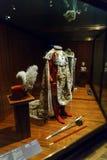 Ämbetsdräkter och svärd av österrikisk beställning av Leopold, Wien, Österrike royaltyfri fotografi