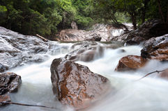 Än den Mayom vattenfallet, Koh Chang, Thailand Arkivfoto