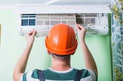 Ändern Sie Klimaanlagenfilter Lizenzfreie Stockfotos