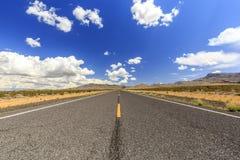 Ändlös huvudväg 91 nära Littlefield Royaltyfri Bild