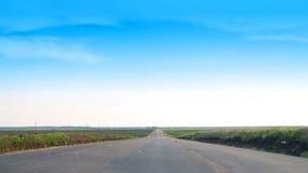 ändlös väg arkivbilder