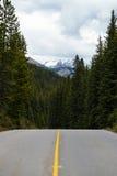 Ändlösa vägar i Banff Arkivfoton