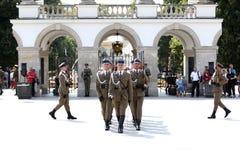 Ändra Guarde vid gravvalvet av den okända soldaten royaltyfria bilder