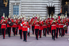 Ändra guarden London Arkivbild