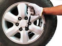 ändra gummihjulet arkivfoton