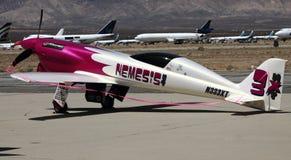 Ändrad mustang på den experimentella flygshowen Arkivbilder