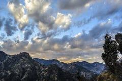 Ändrande färg av himlen på skymning Arkivfoto