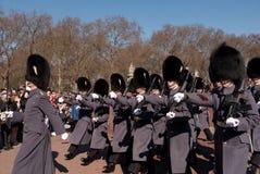 ändrande guardslott för buckingham Arkivfoto