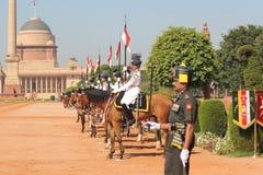 Ändring av vakten Ceremony på den Indien presidentslotten Arkivfoto