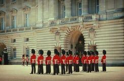 Ändring av vakten på Buckingham Palace Fotografering för Bildbyråer