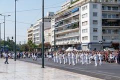 Ändring av vakten på den grekiska parlamentet Arkivfoto