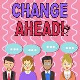 Ändring för textteckenvisning framåt Begreppsmässig fotohandling eller process som något blir den olika gruppen till och med av stock illustrationer