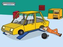 Ändringshjul och reparationsbil Royaltyfri Fotografi