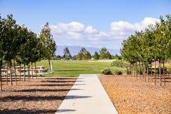 Äng- och picknickfläcken, krigs- Cottle parkerar, San Jose, Kalifornien royaltyfri bild