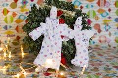 Ängel för två docka på julbakgrunden Royaltyfria Bilder