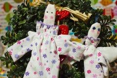 Ängel för två docka på julbakgrunden Arkivbild