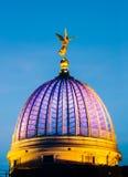 Ängel i himmel över Dresden Arkivfoton