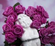 Ängel lyckliga valentin dag, hjärtabakgrund arkivfoto