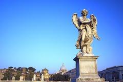 Ängel med kronan av taggar, Castel Sant Angelo, Rome, Italien Royaltyfria Bilder