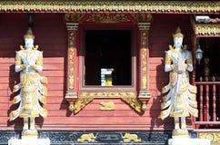 Ängelbilder i thailändsk tempel fotografering för bildbyråer