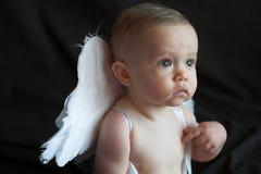 ängeln behandla som ett barn Royaltyfria Foton