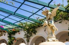Ängelstaty i den Kallithea rotundan Royaltyfri Foto