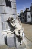 Ängelstaty på den Recoleta kyrkogården, Buenos Aires Arkivbilder