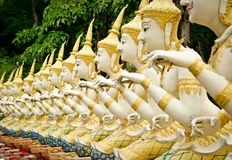 Ängelstaty på Thailand arkivbilder