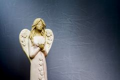 Änglar ber för oss Arkivbild