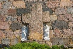 Änglar nära stenkorset Arkivbild