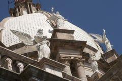 Änglar och kupol i kyrkan av den Apaseo el alten Royaltyfria Bilder