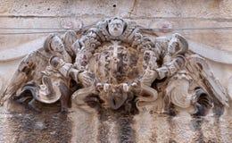 Änglar på husfasad i Dubrovnik Fotografering för Bildbyråer
