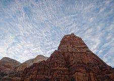 Änglar som landar under a dröm-som himmel Arkivfoto