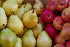 Äpfel, Birnen Lizenzfreie Stockfotografie