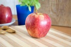 Äpfel in der Küche Lizenzfreies Stockfoto