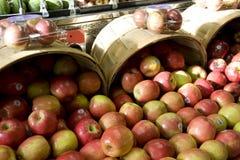 Äpfel für Verkauf Lizenzfreie Stockbilder