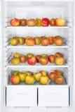 Äpfel im Kühlraum Stockfotografie