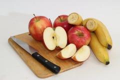 Äpfel und Bananen Stockbild
