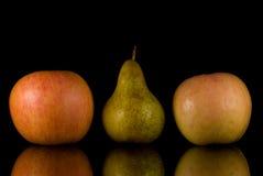 Äpfel und Birne Stockbilder