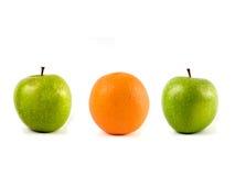 Äpfel und Orange Stockfoto