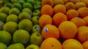 Äpfel und Orangen lizenzfreies stockfoto