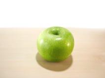 äpple - grön tabell Arkivfoton