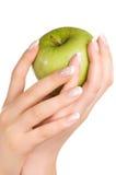 äpple - green hands s-kvinnan royaltyfri fotografi