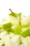 äpple klippta nya gröna skivor Royaltyfria Bilder