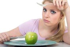 äpple som äter den saftiga kvinnan Royaltyfria Foton