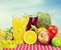 äpplebananen bantar sallad för orangen för fruktfruktkiwien royaltyfria foton